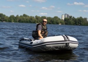 How To Stay Safe With An Inflatable Boat On The Ocean