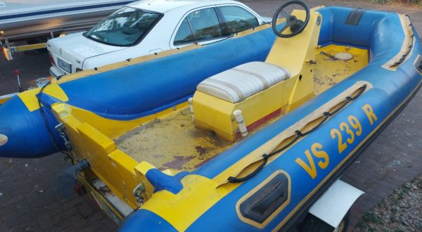 How To Get Water Out Of An Inflatable Boat? The Best Solution For You