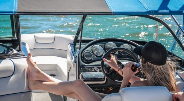 An Ultimate Guide On Colorado Pontoon Boat Rental
